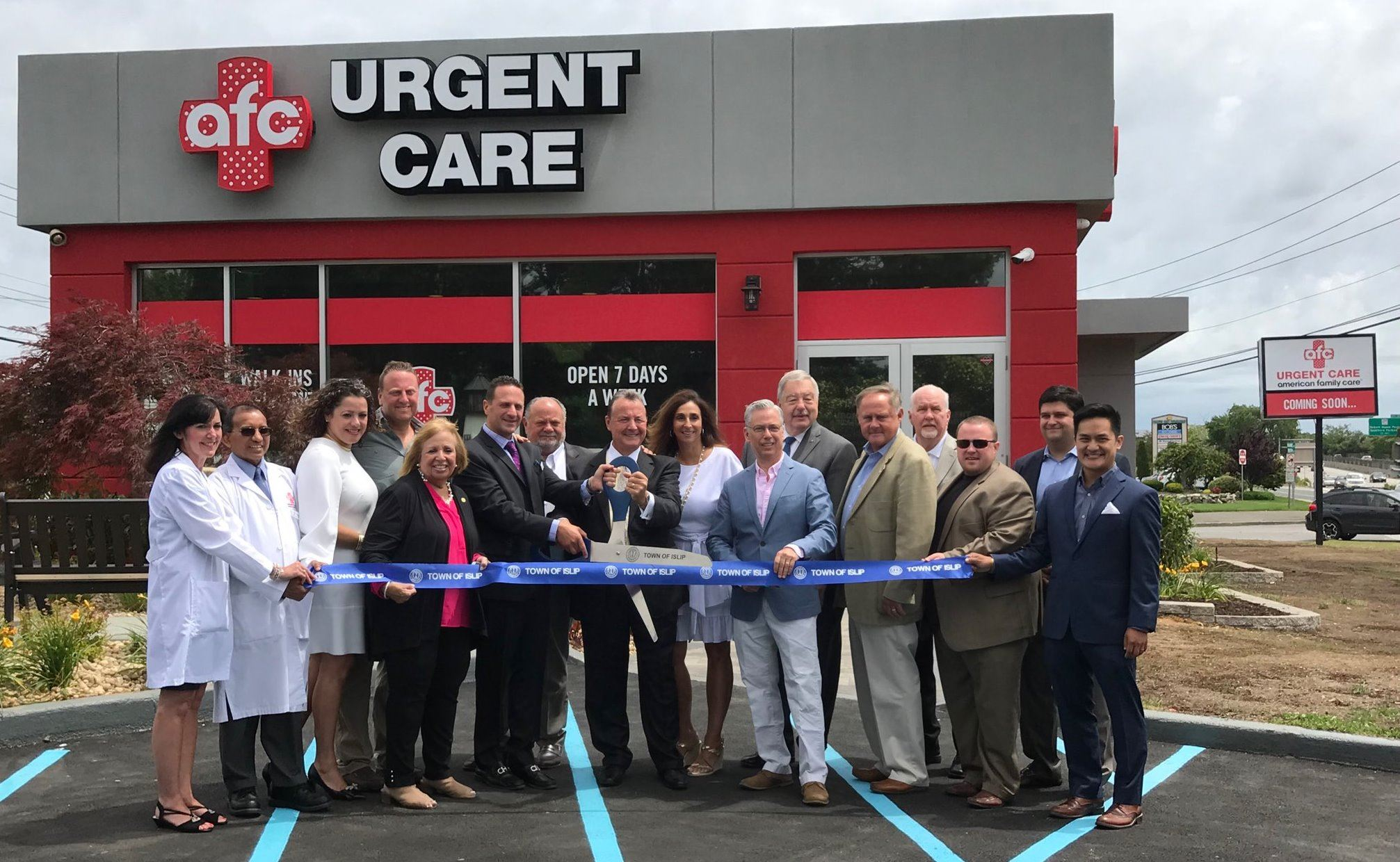 Urgent Care Ribbon Cutting Edited