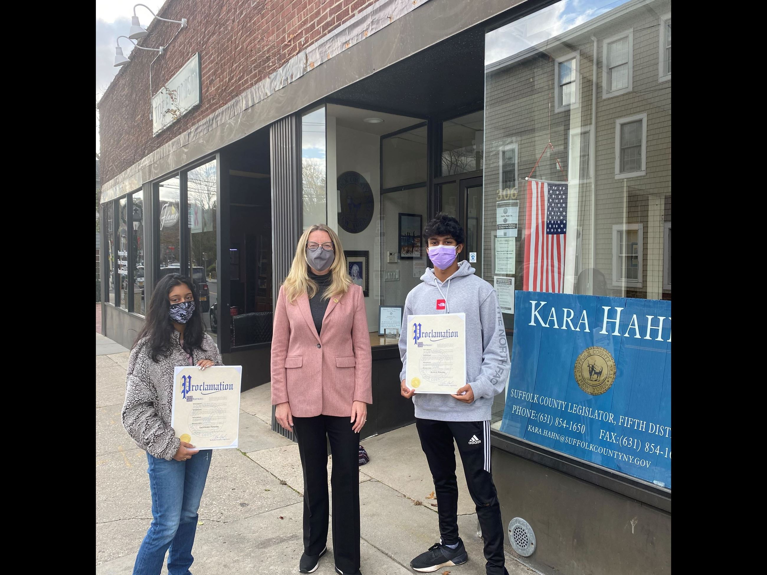 Port Jefferson Teens Put a Cork into Glass Waste Image
